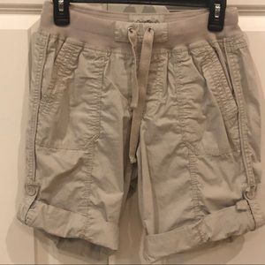 Calvin Klein Performance Cargo Roll up shorts 🩳